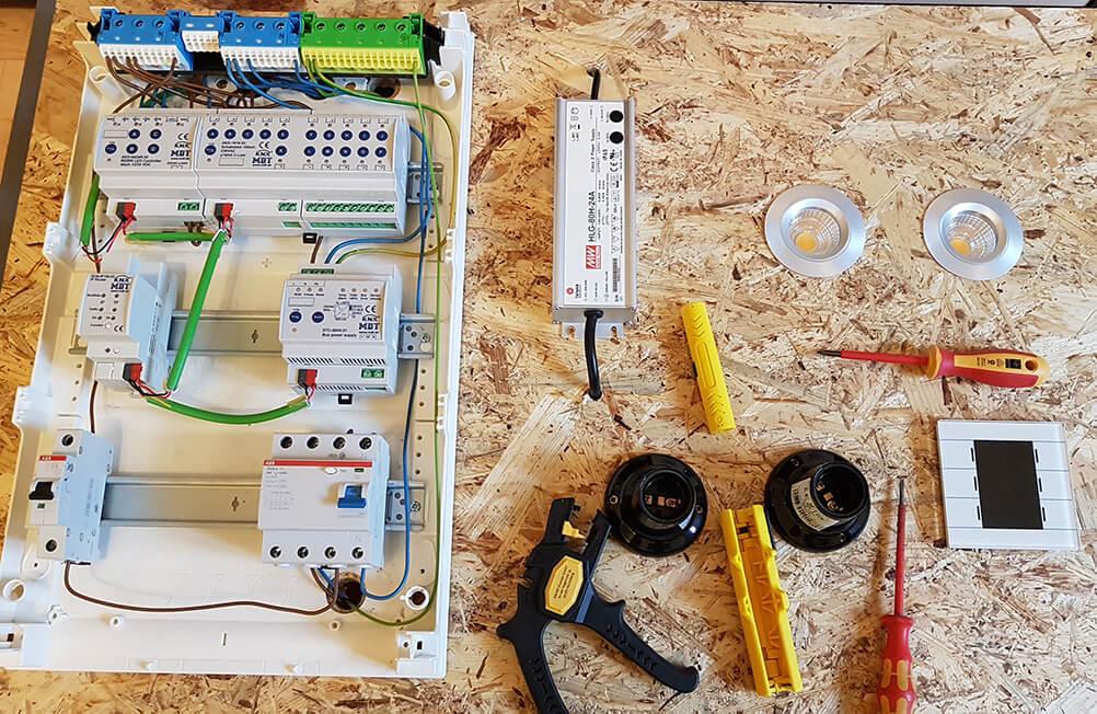 Welches Smart Home im Neubau? Ein KNX-Testbrett