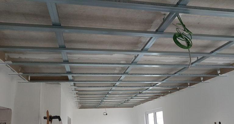 Abgehängte Decke Unterkonstruktion hier noch ohne Kabel