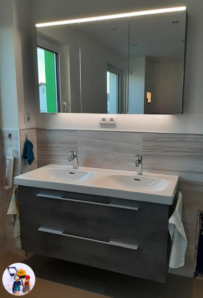 Waschtischunterschrank mit passendem Spiegelschrank Vigour derby