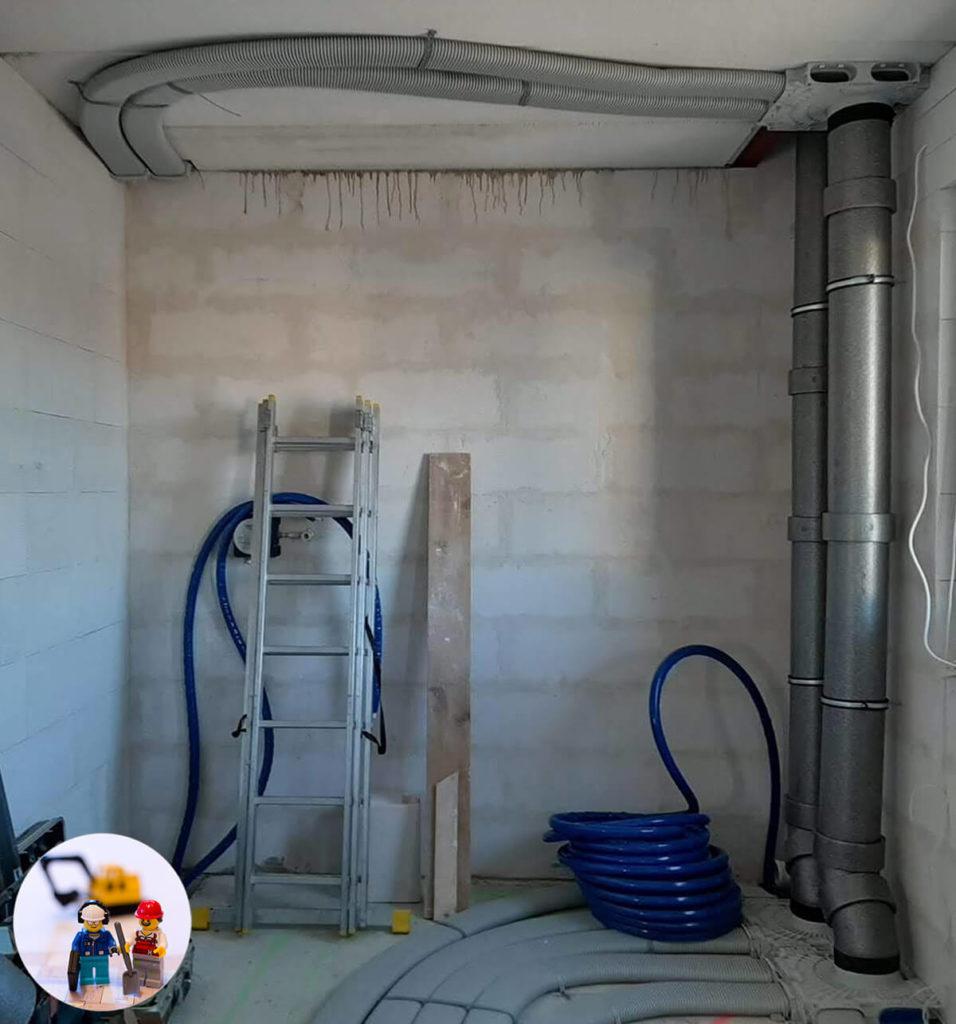 Vaillant recoVAIR 260/4 E Luftverteiler und Abluftleitungen unter der Decke