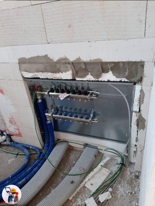 Großer Heizkreisverteiler mit Platz für KNX Heizungsaktoren